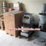 Mesin Bakso dan Mesin Roti Dikirim ke Manado