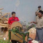 Uji Coba Mesin Perajang Kompos DISPERINDAG Madura | Mesin Perajang Rumput Madura