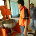 Uji Coba Mesin Pengaduk Dodol Otomatis Maluku